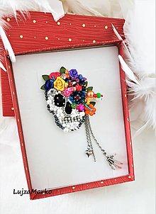 Brošne - Dáma s kvetinami...Art skull brošňa - 13253536_