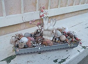 Dekorácie - Veľkonočná dekorácia so zajačikmi - 13259067_