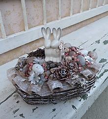 Dekorácie - Veľkonočná dekorácia so zajačikmi - 13259109_