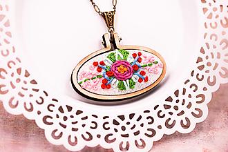 Náhrdelníky - Kvetinový náhrdelník ručne šitý II. - 13259595_