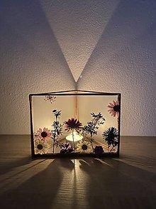 Svietidlá a sviečky - Svietnik so sušenými lúčnymi kvetmi - 13260303_