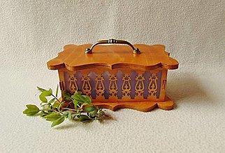 Krabičky - Vyrezávaná šperkovnica so živicou - 13264670_