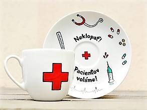 Nádoby - Maľovaná šálka s podšálkou - pre pani doktorku/zdravotnúsestričku - 13262953_