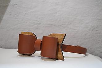 Doplnky - BowTie - kožený s dreveným detailom   (BowTie -  hnedá) - 13265236_