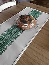 Úžitkový textil - Vyšívaný obrus štóla - 13267236_