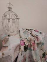 Úžitkový textil - Klasický obrus vintage srdiečka a ruže na dreve - 13275100_