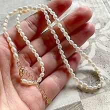 Náhrdelníky - Mini Freshwater Pearls Necklace / Náhrdelník z drobných oválnych sladkovodných perál - 13273227_