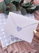 Nálepka na obálku Berieme sa fialové srdiečko - 20ks
