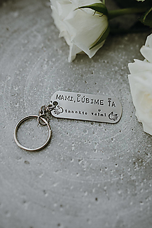 Kľúčenky - Kľúčenka Mami, Ľúbime ťa taaakto veľmi - 13275389_