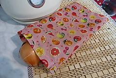 Úžitkový textil - menšie voskované vrecko-ovocie na ružovej - 13275084_