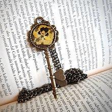 Dobrý obchod - Náhrdelník kľúč sirôtka - 13271685_