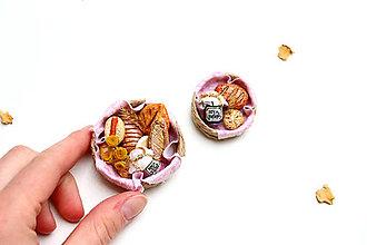 Dekorácie - Mini pečivo v košíčku VI ♡ - 13280627_