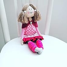 Hračky - Katka, bábika v ružových šatách - 13276531_