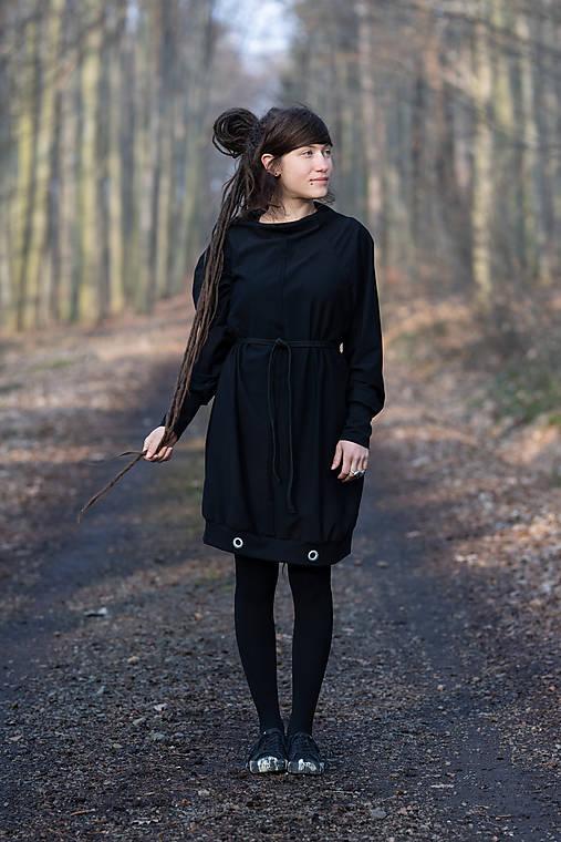 Šaty MOIRY finster