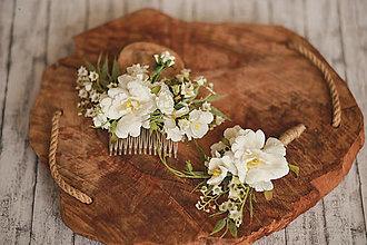 Ozdoby do vlasov - Svadobný set biela romantika - hrebienok a pierko pre ženícha - 13281303_