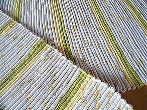 Úžitkový textil - Tkaný koberec so žlto-zelenými pásikmi - 13283866_