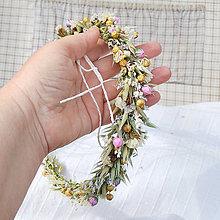 Ozdoby do vlasov - Venček čisto prírodný zo sušených tráv a kvetov, natur, lúčny - 13288631_