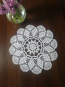 Úžitkový textil - Háčkovaný biely stredový obrus - 13287499_
