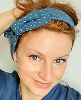 Ozdoby do vlasov - Dámska čelenka s dekoračným uzlíkom - modrá s bodkami - 13286637_
