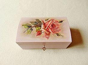 Krabičky - Drevená truhlička Ruža s kvapkou rosy - 13286330_