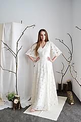 - Svadobné  šaty z kvetovanej smotanovej krajky a viskózy  - 13286203_