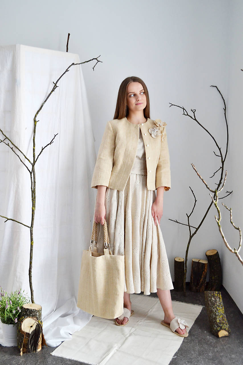 Madeirové romanticky rustikálne šaty zo zmesi ľanu, viskózy a bavlny (+ opasok)