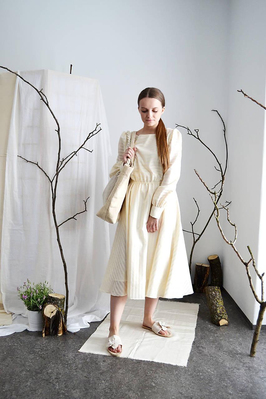 Bavlnené prúžkované šaty s transparentnými pásikmi s elastickým pásom