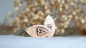 keramické náušnice č.367_ makové srdcia
