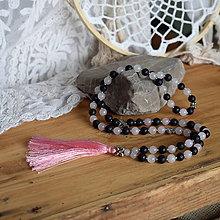 Náhrdelníky - Romantický Ruženín a Lávový kameň v náhrdelníku so strapčekom 💟 - 13292260_