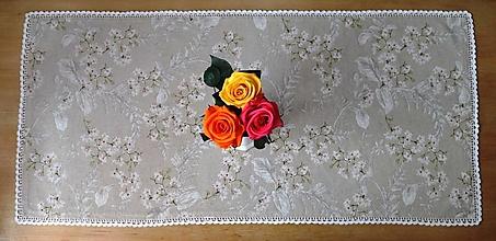 Úžitkový textil - Prestieranie biele kvety (92 x 42) - 13292287_