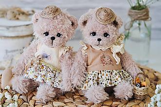 Hračky - Háčkované medvedíky Charlotte & Julie - 13293723_