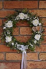 - Venček s bielymi ružami - 13295099_