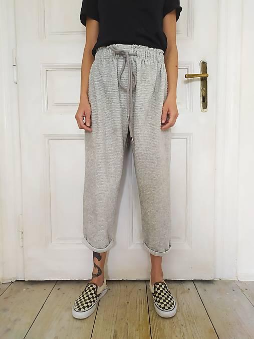 Nohavice - -Tepláky so vzorom menčestru- - 13294876_