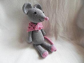 Hračky - Milá háčkovaná myška Hryzka :-) 26cm - 13302327_