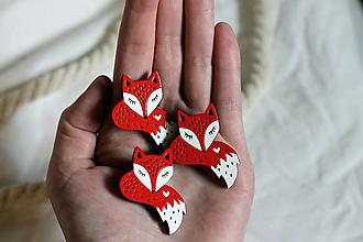 Odznaky/Brošne - Drevená maľovaná brošňa Líščí chvost - 13300614_
