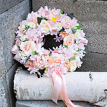 Dekorácie - Romantický venček na dvere, do dievčenskej izby, ružový, marhuľový - 13305343_