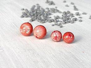 Náušnice -  Polgule - mesačný melír červená (priemer 0,7 cm) - 13306475_