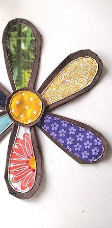 Materiál ručne robený - Kvet s priemerom 25 cm hnedý - 13303684_