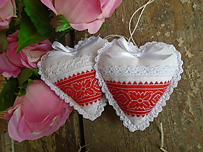 Dekorácie - Srdiečka  ako darček-folk - 13304438_