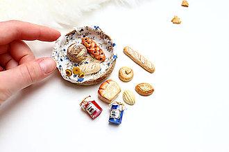 Dekorácie - Mini pečivo v košíčku VIII ♡ - 13307255_