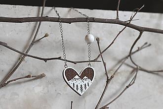 Náhrdelníky - Drevený maľovaný prívesok Srdce z lesa - 13307553_