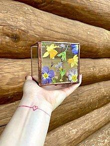 Svietidlá a sviečky - Svietnik s jarnými kvetmi - 13307190_
