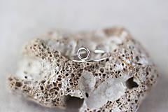 Prstene - Strieborný prsteň s kruhom (prázdny) - 13310899_
