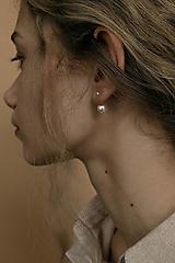 Strieborné náušnice - dvojguličky (so swarovski perlami)