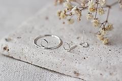 Strieborný set - náušnice a prsteň s mini kruhmi (prázdne)