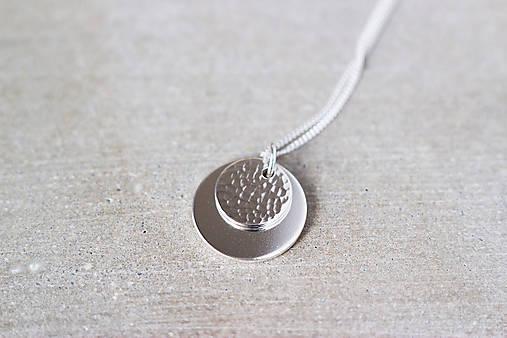 Strieborný náhrdelník s dvojitým príveskom