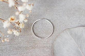 Prstene - Strieborný prsteň – minimal - 13310777_