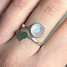 Prstene - Heart Moonstone Ag925 Ring  / Strieborný prsteň s mesačným kameňom - 13315287_