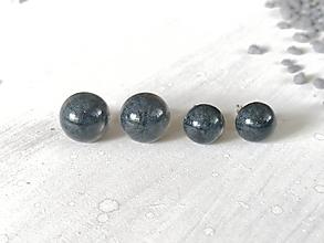 Náušnice -  Polgule sivé (priemer 0,7 cm) - 13321301_