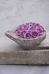 Dekorácie - Aranžmán z drobných ružičiek - 13320758_